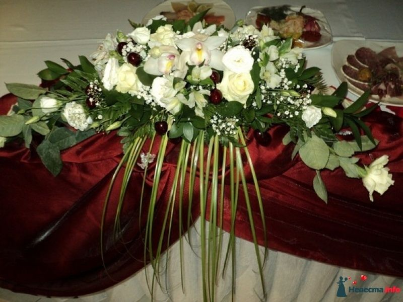 "Композиция на стол молодых - фото 452317 Салон цветов ""Flower's tino"""