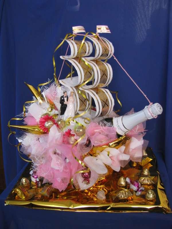 Свадебный конфетный корабль с конфетами и шампанским  - фото 1450497 Sweet dream - букеты из конфет