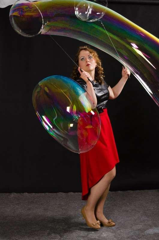 Заказ шоу на Ваш праздник по телефону 8-923-799-33-34 - фото 11100388 Шоу мыльных пузырей Евгении Коростелевой