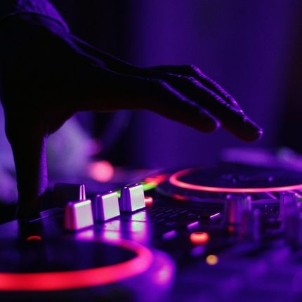 Работа event - DJ и аренда аппаратуры