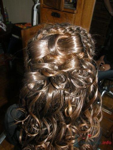 Прическа невесты распущенные локоны с бантом из волос - фото 1241 Стилист Анна Пухкало