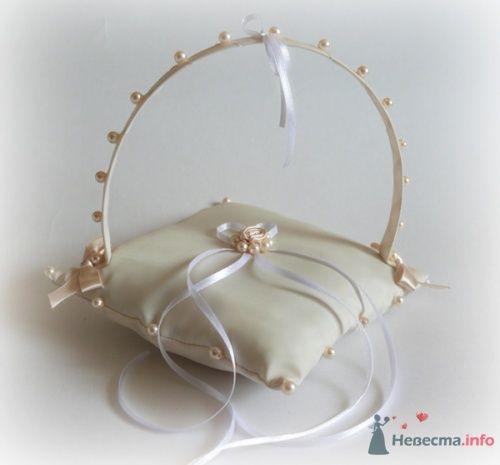 Фото 17051 в коллекции Подушечки для колец - Подружка Невесты - свадебные аксессуары