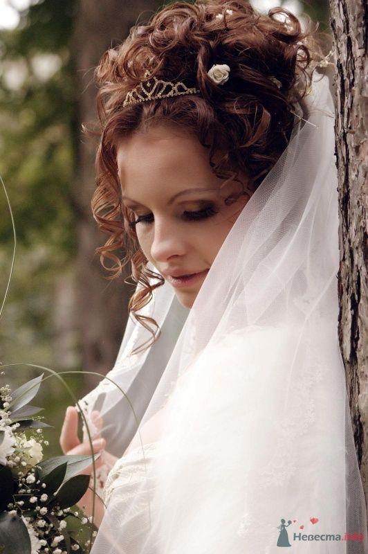 Хочу я быть невестой,  красивой, завитой,  под белою навесной  застенчивой фатой... - фото 59266 Любимка)