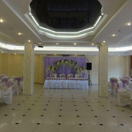 Лавандовая свадьба, сиреневая свадьба с глициниями