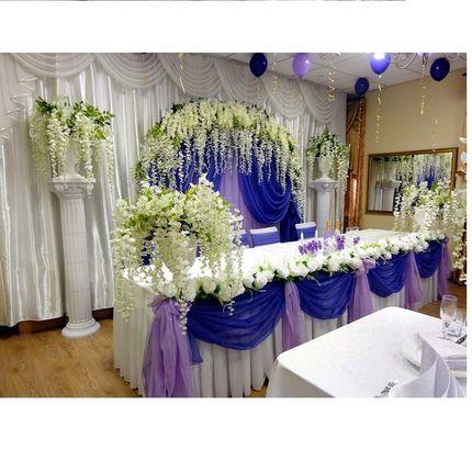 Оформление фиолетовой свадьбы с глициниями