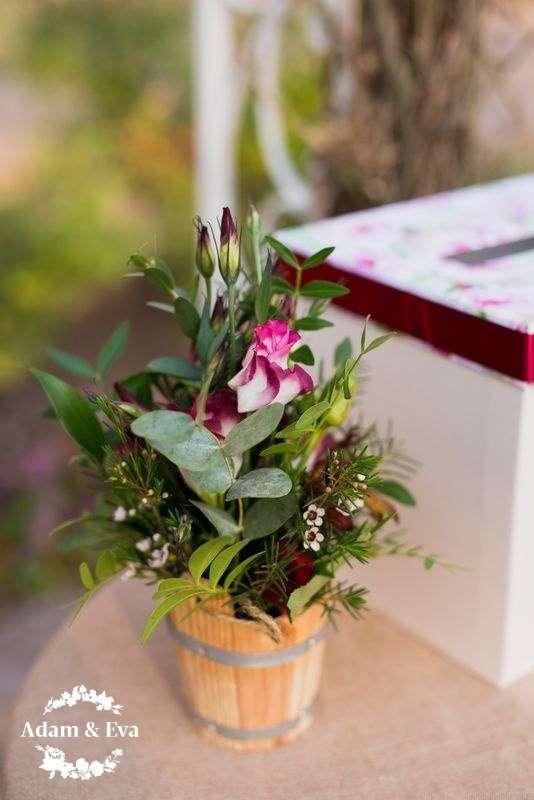 Вдохновлённые трендовым цветом этого сезона, организаторы свадебного агентства Адам и Ева  создали концепцию, которой соответствовали все детали - плоть до оттенка вина в бокалах. Завороживает своим изяществом и красотой декор свадьбы от рук мастеров  . Н - фото 11336516 Свадебное агентство Adam&Eva