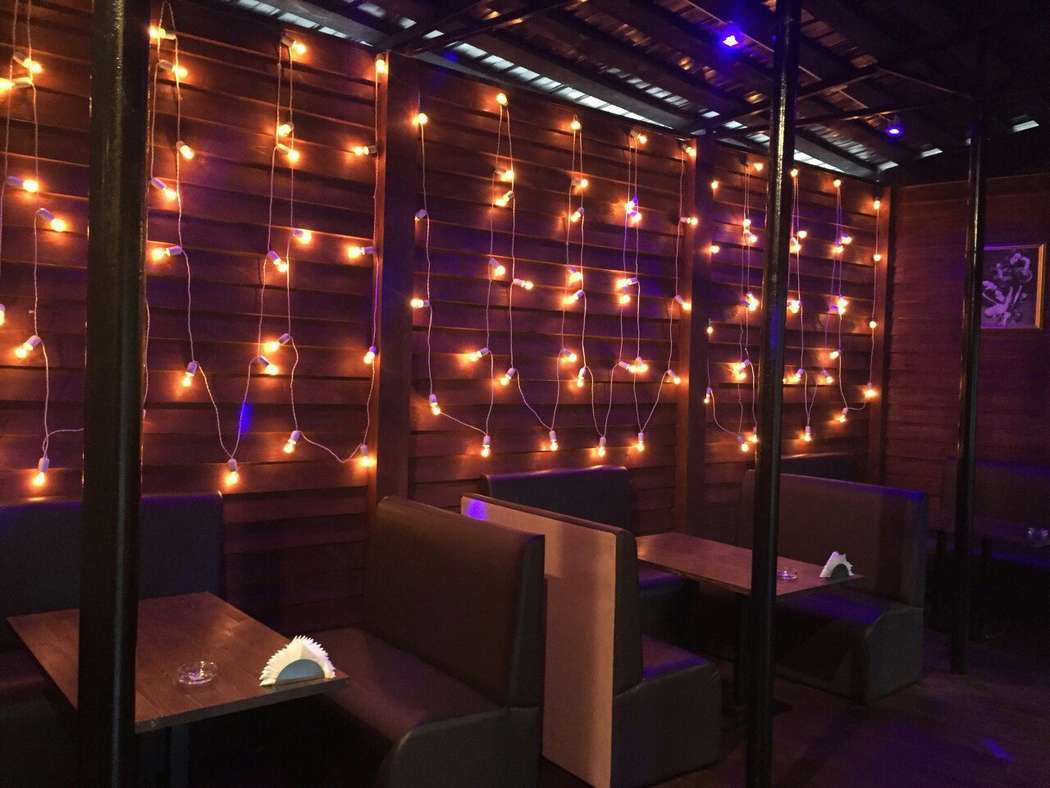 Cafe-Club ★JOY★ гирлянда на летней веранде - фото 11395326 Аренда реквизита Ле Мон