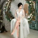Легкое будуарное платье из мягкого еврофатина, декорировано нежным кружевом, расшитым бисером и пайетками. Наряжаясь в такое платье Вы почувствуете себя настоящей принцессой.   Ручная работа.  Цвет основы - по желанию Цвет кружева белый и шампань  По всем