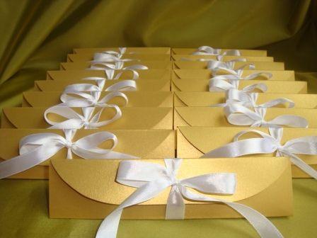 Стильные треугольные коробочки. - фото 510343 Свадебные бонбоньерки в Краснодаре