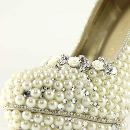 Жемчужные туфли цвета пломбира