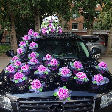 """Композиция из 2 колец и 25 цветов """"Любовь и голуби"""""""