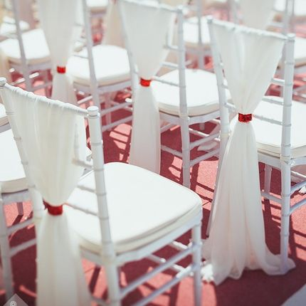 Аренда декора на стулья