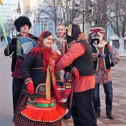 Выступление фольклорного ансамбля, 1 час