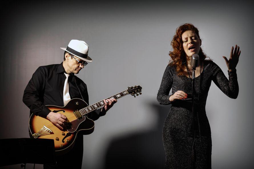 Выступление эстрадно-джазового дуэта