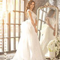 Свадебное  платье  трансформер  со  шлейфом.
