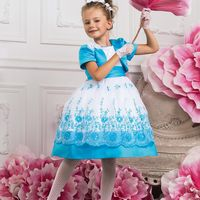 Платья для маленьких принцесс от 1000 рублей. На любой возраст. Различные цвета и модели. В наличии детские кринолины на прокат для создания пышного платья. Также в ассортименте детские перчатки, диадемы и заколки.