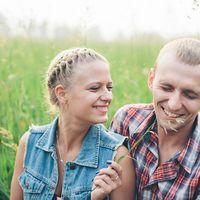 """Мало кто знает, что я провожу особенные фотосессии  """"ПРАЗДНИК ВАШИХ ЧУВСТВ"""".   Такая фотосессия понравится парам, у которых свадебные воспоминания уже притупились, или парам, которые давно вместе, но свадебной фотосессии пока не испытали :)  Это не п"""