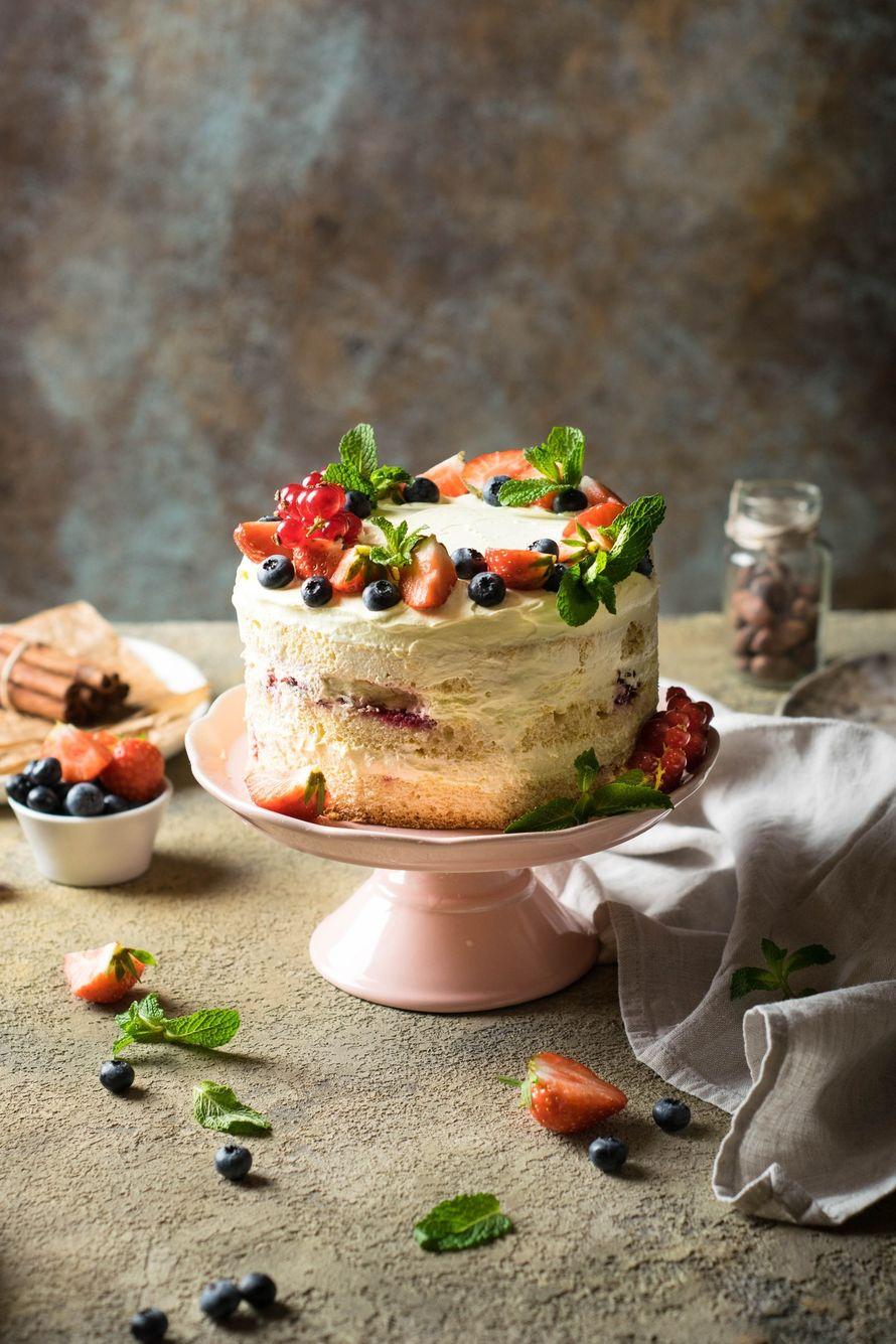 """Праздничный торт - изюминка торжества! Хотите удивить гостей, порадовать любимых? - закажите торт в ресторане Mia Famiglia!  Мы подарим Вам торт с зажженными свечами или фейерверками!  Шеф-кондитер Mia-Famiglia предлагает изготовить на заказ: - йогуртовый - фото 17074958 Ресторан """"Mia famiglia"""""""