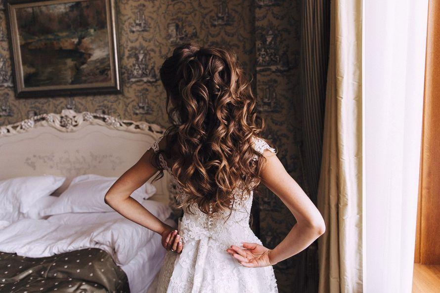 Свадебный хвост из локонов - фото 16263584 Стилист Анастасия Фабрикантова