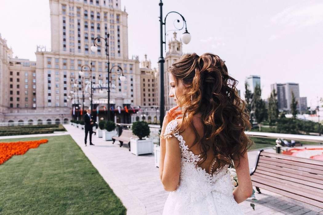 Свадебный хвост из локонов - фото 16263586 Стилист Анастасия Фабрикантова