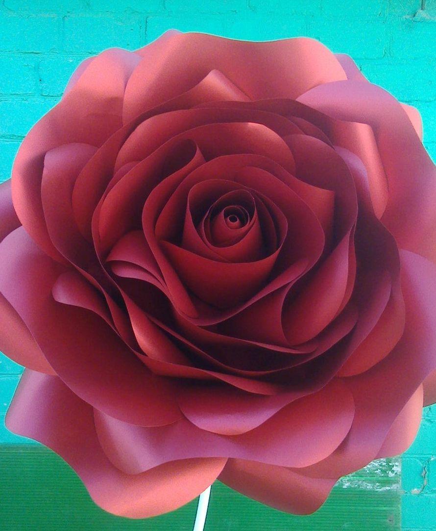 Красная роза выполнена из высококачественной дизайнерской бумаги. Диаметр 65см. Возможно исполнение на ножке. - фото 13670394 Студия декора Geo_big_flower_decor