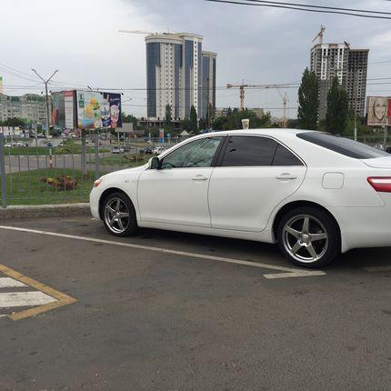 Арена авто Toyota Camry 2008 г., цена за 1 час