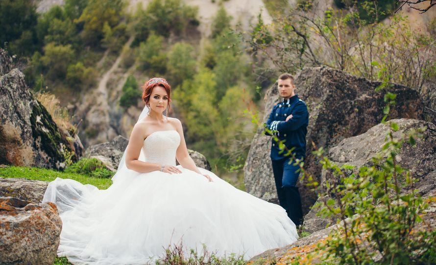 Фото 13766122 в коллекции Свадебная фотосессия Кирилла и Марины высоко в горах - Фотограф Валерия Вартанова