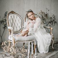 Фото, организация:   Макияж, прическа:   Флористика и декор:   Платье:   Пара:  и   Кольца:   Полиграфия: @yzdinaalexsandra