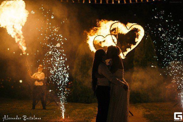Инсталляция - 2 больших огненных сердца + 2 наземных пирофонтана