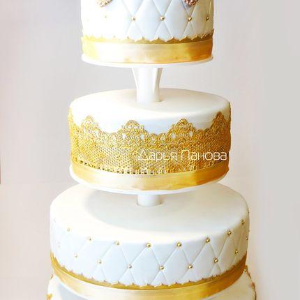Свадебный торт на подставке с короной, цена за 1 кг