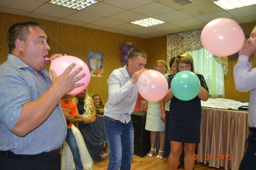 там так конкурс с шариками и поздравлениями насильно удерживали