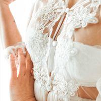 """В НАЛИЧИИ Модель """"Лейла"""". Воздушное платье белого цвета с двойной юбкой из фатина.   • Материал – фатин. Отделка - кружево с бусинами. • Цвет - белый • Размер в наличии – 40-42 и 44-46 • Цена аренды – 3 500 руб. / за 3 дня • Цена продажи – 8 800 руб. • За"""