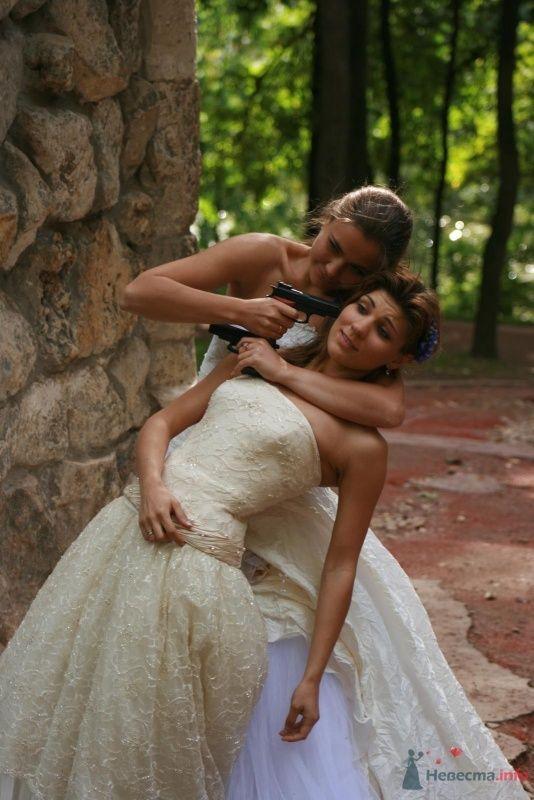 Фото 35749 в коллекции Рабочие моменты фотосесии невест
