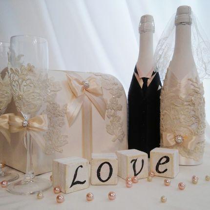 Набор аксессуаров в стилистике свадьбы