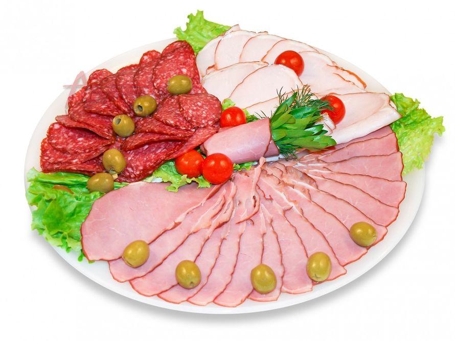 Фото нарезка салатов и мясных ассорти
