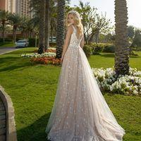 Платье: 104 Возможные цвета: капучино/молочный Цена: 27000 Вариант покупки: под заказ Оплата: 100% предоплата  Срок исполнения от 1-1,5 месяцев!