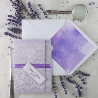 свадебные приглашения в крафт конверте, бархатная лента, кружево,  дизайнерская бумага, размер  приглашения в конверте 15,5см/21,5см