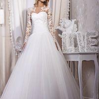 """Свадебное платье """"Я - невеста""""  #коллекция_vesna  Цвет: White, Ivory Размеры: 40-56 Сопутствующие товары: болеро Ткани: фатин Декор: гипюр"""