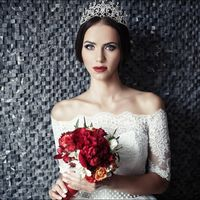 Модель - Мария Киселева Hair, MUA -  [id88612040|Евгения Авдеева] Букет -  Платье, корона, серьги -
