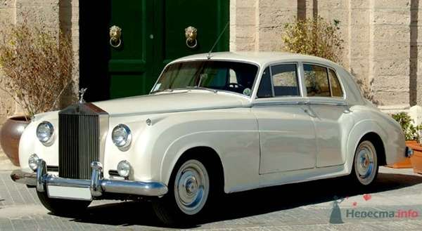 Rolls-Royce Silver Cloud 1958 г.в. - фото 34177 Black and White Cars - аренда лимузинов