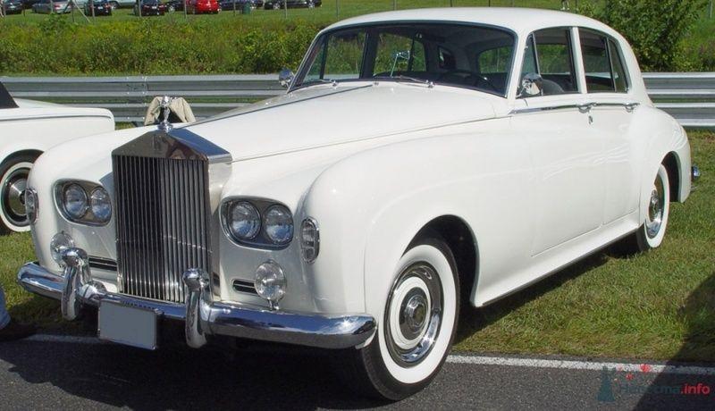Rolls-royce Silver Cloud III   1966 г.в. - фото 34179 Black and White Cars - аренда лимузинов