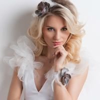 Ободок для невесты.  Стиль @sashastyle.ru  Фото: @thandra_kh  Платье: @siallow_dress@anastasia_siallow  Флористика и дизайн:@trostinka_tatiana