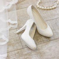 Туфли: 817-1866 Цена: 3 500 руб.  Материал:Гипюр и Шитье Цвет:Жемчужно-белый Высота каблука: 10 см Размер: 35, 37, 39