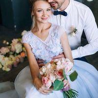 Свадебное платье: Незабудка. Дизайнеры: Александра Примера и Людмила Одайник.