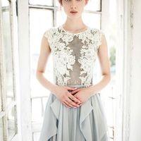 Свадебное платье: Ирис. Дизайнеры: Светлана Русецкая и Карина Буланенко. Фотограф: Маша Голуб.