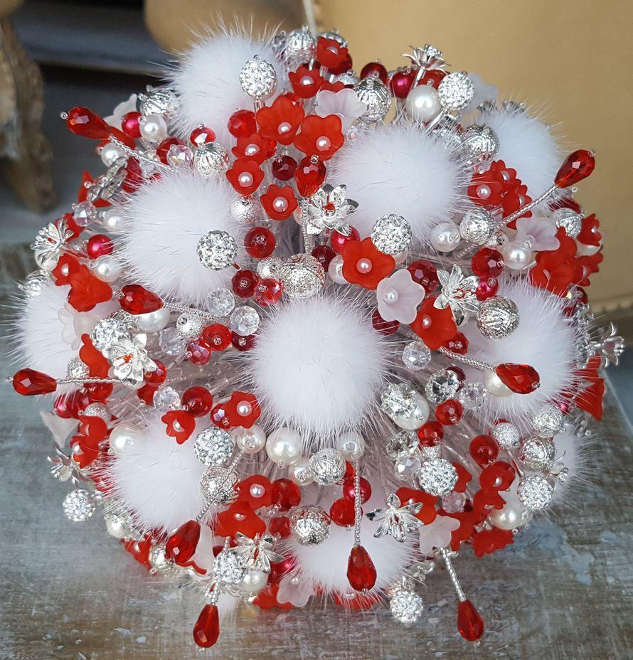 """Букет невесты из бусин """"Winter cherry"""""""