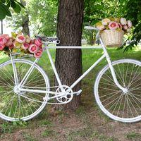Свадебный велосипед как фотозона на свадьбе
