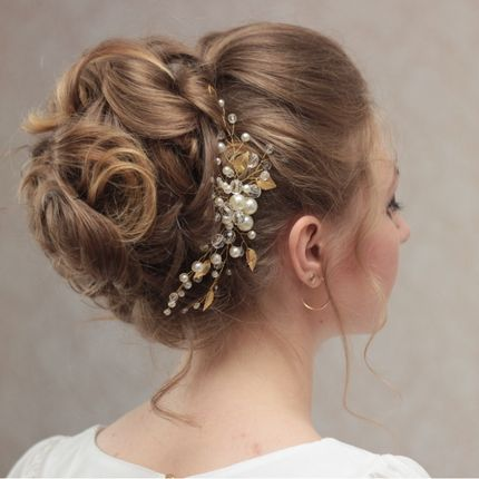 Свадебное украшение в причёску