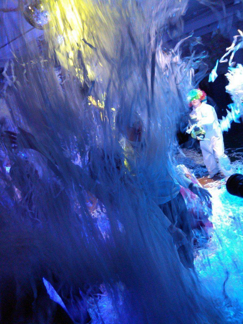"Фото 15703636 в коллекции Бумажное шоу ТЮМЕНЬ - Бумажное шоу ""Euphoria"" - шоу конфетти"