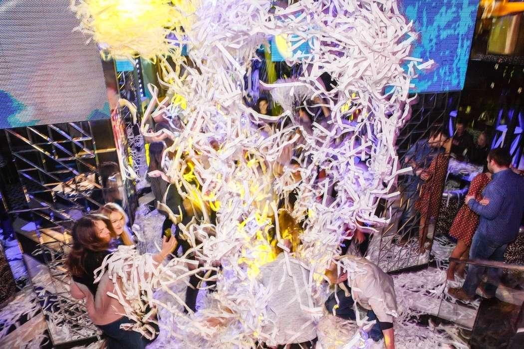 "Фото 18356090 в коллекции Бумажное шоу|ТЮМЕНЬ - Бумажное шоу ""Euphoria"" - шоу конфетти"